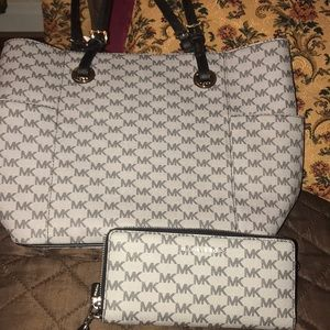 Michael Kors Handbag Set